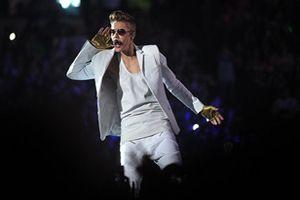 Justin Bieber Performing Vegas